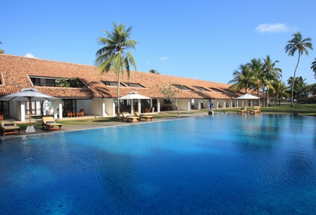 SL exterior-view-of-lap-pool